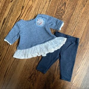 Adorable embellished sweatshirt and jegging set.